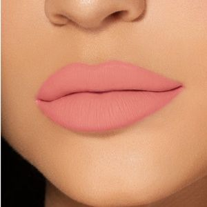 "*NEW* Kylie lip kit ""Apricot"" AUTHENTIC"